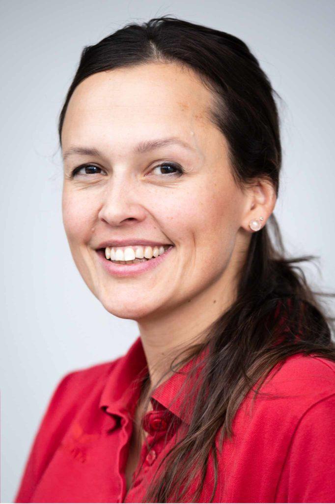 Jasmin Steiner Leitende Physio Sportmedizinisches Zentrum Bern Ittigen Physiotherapie